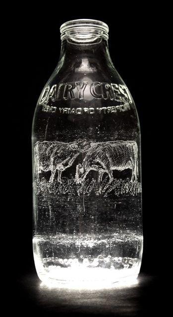 Sztuka na butelkach z mleka 32