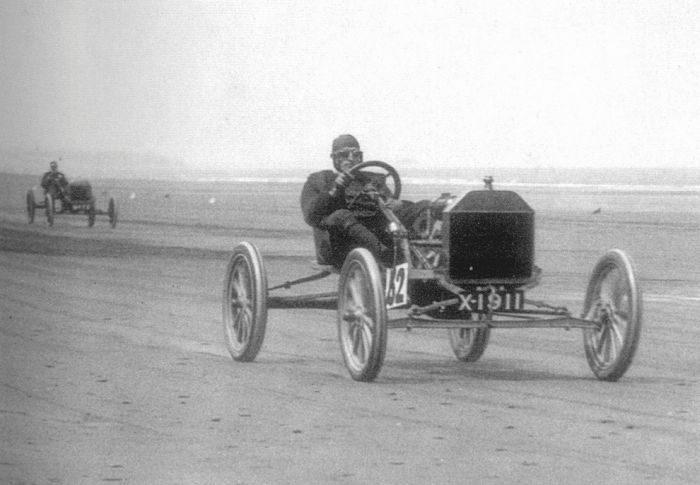 Pierwsze wyścigi samochodowe 45